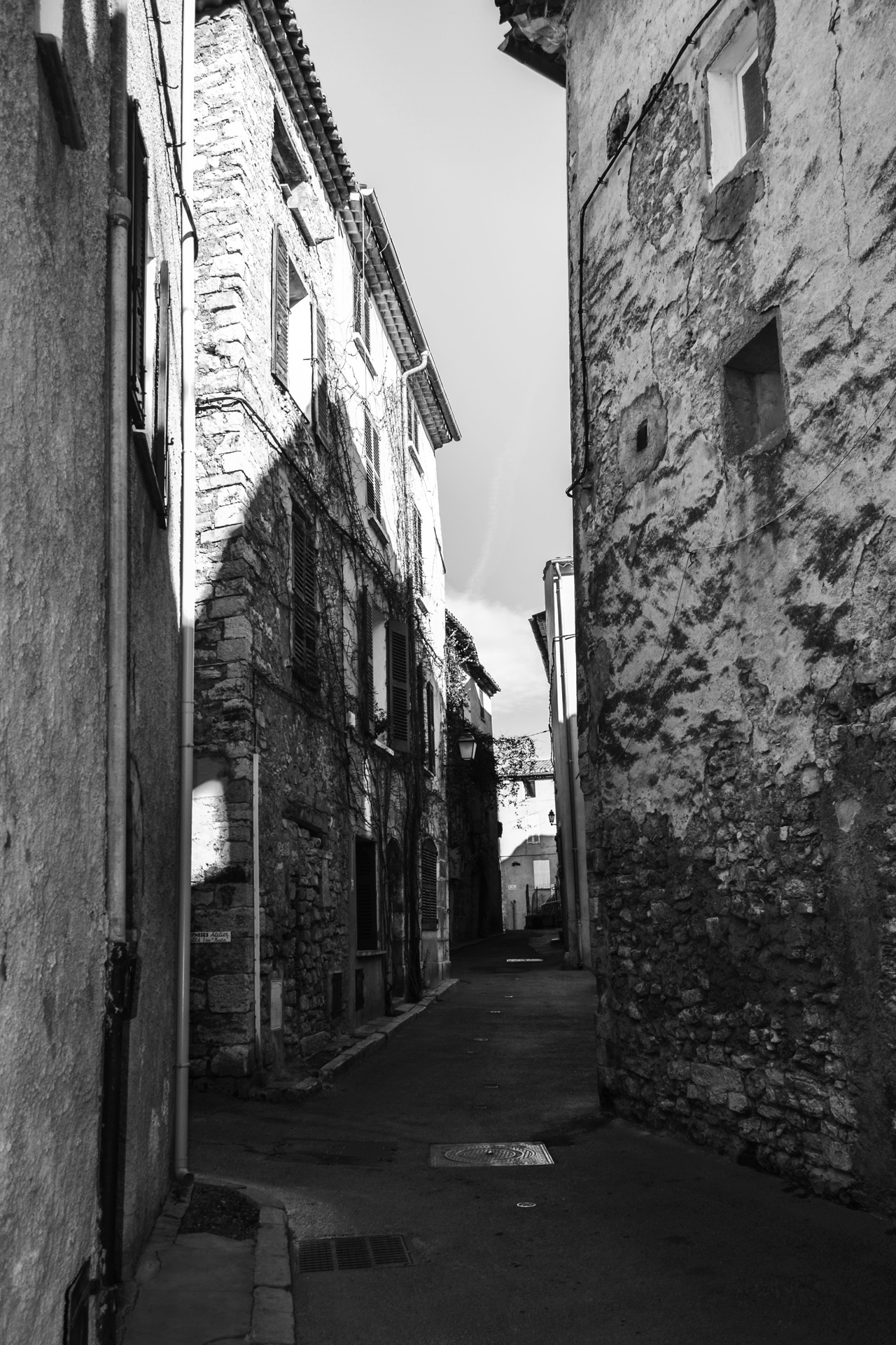 Lorgues_8-Var-Provence-rue-du-village-ancien
